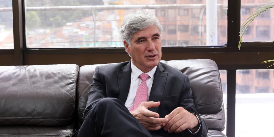 Ministro de salud Juan Pablo Uribe